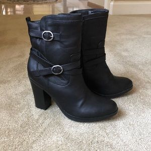 Style and Co black booties